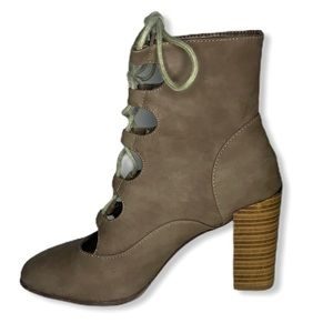 Esprit Felicia Lace Up Heeled Brown Ankle Boots